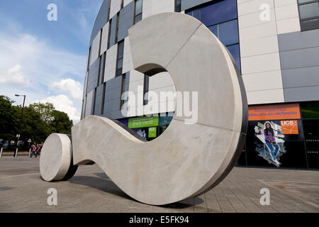 Statue of a question mark outside Ispwich University - Stock Image