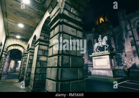 Night view of Parliament Square and the Court of Session buildings in Edinburgh Old Town, Scotland, UK - Stock Image
