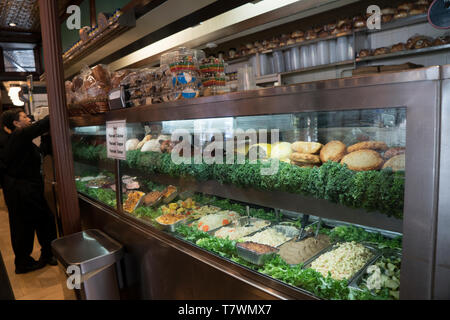 The 2nd Avenue Deli on the Upper East Side of Manhattan is an offshoot of a famous delicatessen that was once on Manhattan's Lower East Side. - Stock Image