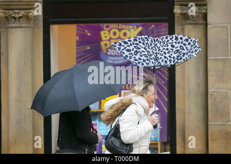 Preston, Lancashire. 16th March, 2019. UK Weather. Wet and windy start to the day with heavy rain and gale force winds forecast. Credit: MWI/AlamyLiveNews - Stock Image