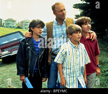 BRIAN CHRISTOPHER ED HARRIS MICHAEL PATRICK CARTER ADAM LAVORGNA MILK MONEY (1994) - Stock Image