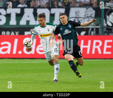 sports, football, Bundesliga, 2018/2019, Borussia Moenchengladbach vs SV Werder Bremen 1-1, Stadium Borussia Park, scene of the match, Fabian Johnson (MG) left and Milot Rashica (Bremen), DFL REGULATIONS PROHIBIT ANY USE OF PHOTOGRAPHS AS IMAGE SEQUENCES AND/OR QUASI-VIDEO - Stock Image