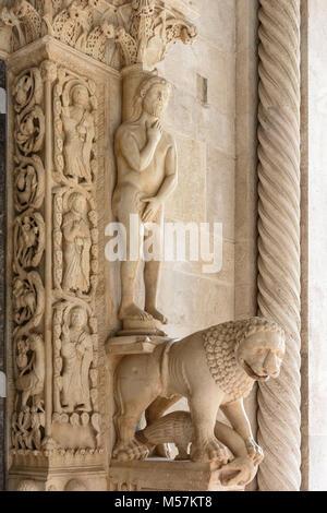 Adam, Grand Romanesque portal, St Lawrence's Cathedral, Trogir, Croatia - Stock Image