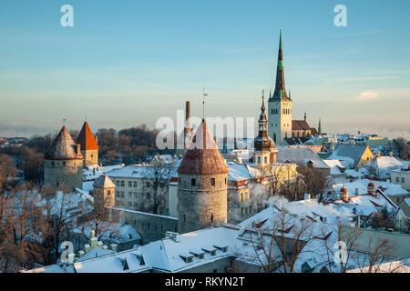 Winter morning in Tallinn old town. - Stock Image