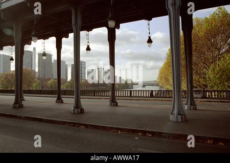 Pont de Bir Hakeim, Paris, France - Stock Image