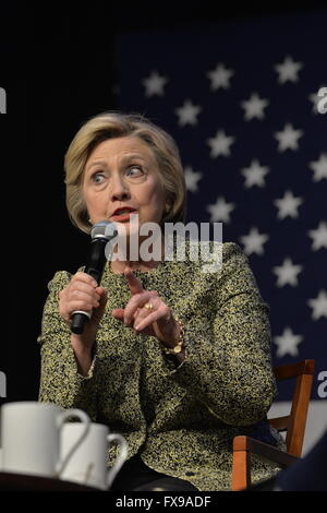 Port Washington, New York, USA. 11th April 2016. HILLARY CLINTON, leading Democratic presidential primary candidate, - Stock Image