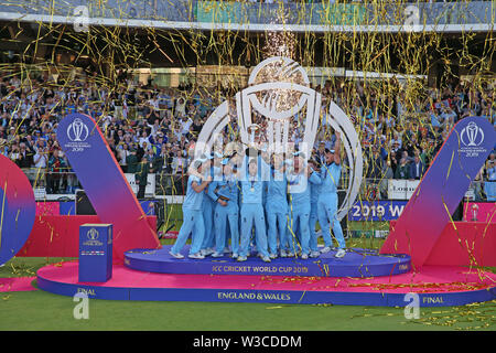 London, UK. 14th July 2019. ICC World Cup Cricket Final, England versus New Zealand; England lift the cricket World Cup after winning the final againt New Zealand in Super over play Credit: Action Plus Sports Images/Alamy Live News - Stock Image
