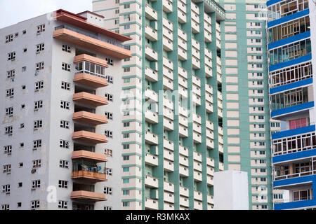 Cuba, Havana. Apartment building windows and balconies. Credit as: Wendy Kaveney / Jaynes Gallery / DanitaDelimont.com - Stock Image