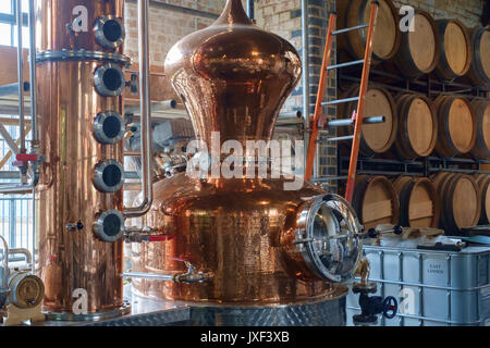 Beautiful copper Gin still and distillery equipment at the East London Liquor Company, nr Hackney, London UK - Stock Image
