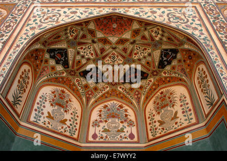 Intricate decoration in the Palace of Amber in Rajasthan, India - Stock Image