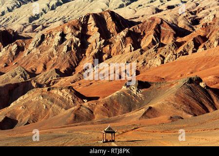 Flaming Mountains, Bezeklik Caves, Xinjiang Uyghur Autonomous Region, China - Stock Image