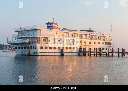 Cruise ship 'American Star' shortly after sunrise, docked at Tisbury Wharf in Vineyard Haven Harbor, in Tisbury, Massachusetts on Martha's Vineyard. - Stock Image