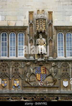 Statue of King Henry 8th, Trinity College Great Gate, Cambridge University, Cambridgeshire, UK - Stock Image