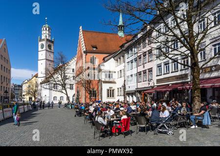 Altstadt von  Ravensburg, Blaserturm, Waaghaus, Rathaus, Strassenscafes, Baden Wuertemberg, Deutschland - Stock Image