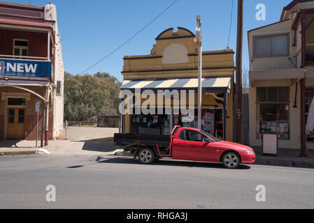 The heritage listed Gaskill Steet in the town of Canowindra, part of the Cabone Shire in Central Western New South Wales, Australia - Stock Image