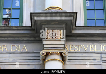 Lion face on the Golden Gate in Gdansk - Stock Image
