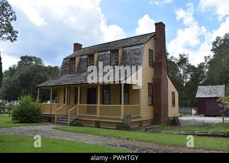The Van Der Veer House was restored and made a museum for the Bath State Historic Site.  The Museum has displays about colonial life and Blackbeard. - Stock Image