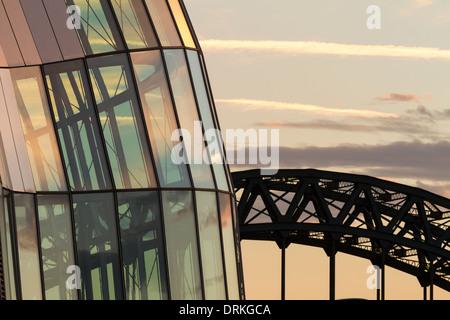 The Sage and Tyne bridge at sunset, Newcastle upon Tyne, England - Stock Image