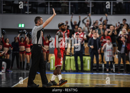 Germany, Bamberg, Brose Arena - 20 Jan 2019 - Basketball, German Cup, BBL - Brose Bamberg vs. Telekom Baskets Bonn - Image: Tyrese Rice (Brose Bamberg, #4) after hitting a 3-pointer.  Photo: Ryan Evans Credit: Ryan Evans/Alamy Live News - Stock Image
