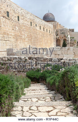 Dome of the Al Aqsa Mosque from the southern wall of the Temple Mount - Stock Image