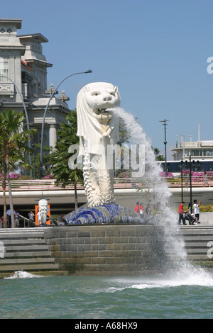 The statue of the mythical Merlion, Singapore harbour, Asia - Stock Image