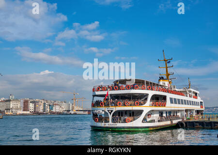 Sightseeing Boat in the Golden Horn, Istanbul, Turkey - Stock Image