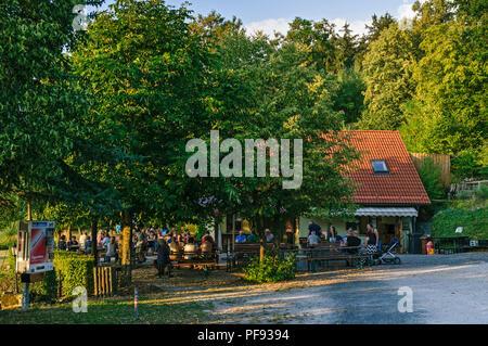 Bierkeller zum Hopfengarten, Burghaslach, Franconia, Bavaria, Germany - Stock Image