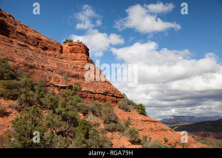 view of sedona arizona along the cathedral rock trail - Stock Image