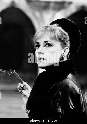 Jeanne Moreau / Eva / 1962 directed by Joseph Losey (Paris Film Productions - Interopa Film) - Stock Image