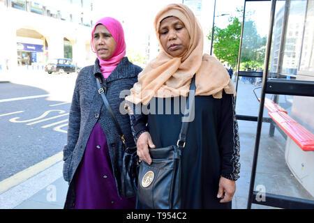 London, England, UK. Two Muslim women wearing headscarves walking in Holborn - Stock Image