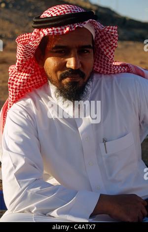 Saudi Arabia.  A Saudi man wearing his traditional clothes - Stock Image