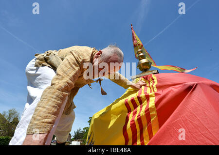 Hayward's Heath, East Sussex, UK. 1st June 2019. The sun shines on the first colourful Rathayatra Chariot Festival in Hayward's Heath. © Peter Cripps/Alamy Live News - Stock Image