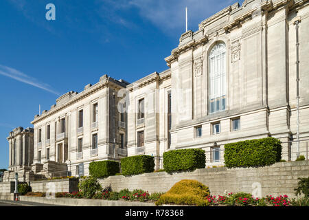 The National Library of Wales, Aberystwyth, founded in 1907, the Greek Revival building by Sidney Greenslade completed in 1915. - Stock Image