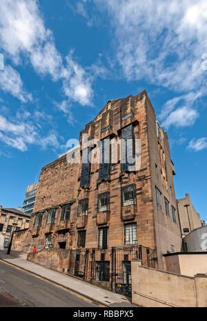 The Glasgow School of Art in Renfrew Street Glasgow Scotland designed by Charles Rennie Mackintosh here seen from Scott Street - Stock Image