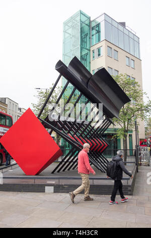 Steel sculpture 'Clarion' by Phillip King, Fulham Broadway, London, UK - Stock Image