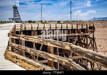 Platform and trestle, ATLAS-1 electromagnetic pulse (EMP) simulator, Kirtland Air Force Base, Albuquerque, New Mexico USA - Stock Image