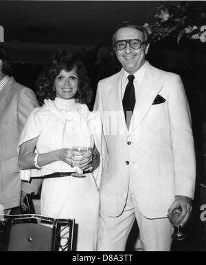 Dr Robert C Atkins and Mrs Myrna Firestone at Hialeah Race Track, Miami, Florida, 1976 - Stock Image