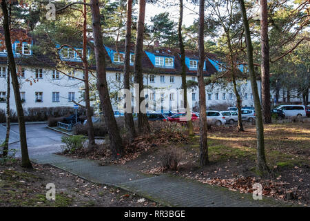 Waldsiedlung Krumme Lanke, Berlin. Housing Settlement built by the housing cooperative Gagfah in 1937-40 for the SS to plans of Hans Gerlach.Am Vielin - Stock Image