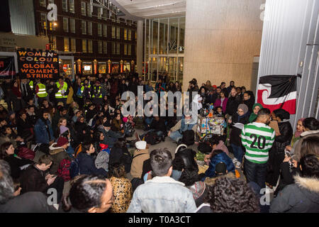 London, UK. 18th March, 2019. People from many different campaign groups hold a vigil outside the offices of News Corporation to mourn the deaths of 50 people killed in attacks on two mosques in Christchurch, New Zealand, last Friday by white supremacist Australian Brenton Tarrant, aged 28, and in solidarity with Muslim communities around the world. News Corp was chosen as the venue to highlight the responsibility of global media platforms not to use inflammatory language which fuels the continuing rise of far-right politics. Credit: Mark Kerrison/Alamy Live News - Stock Image