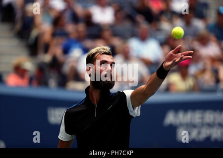 Flushing Meadows, New York - August 30, 2018: US Open Benoit Paire of France during his second round straight set loss to Roger Federer of Switzerland at the US Open in Flushing Meadows, New York. Credit: Adam Stoltman/Alamy Live News - Stock Image