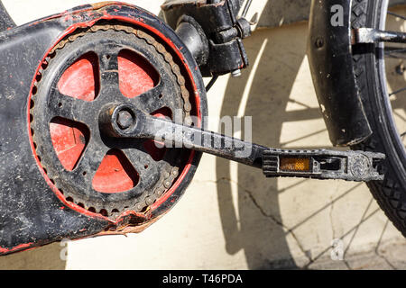 Bicycle pedal . gear and bike chain detail - Stock Image