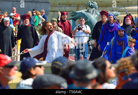 London, UK. 19th Apr 2019. On Good Friday, thousands gather in Trafalgar Square to watch The Passion of Jesus performed by the Wintershall Players. Christ in the temple Credit: PjrFoto/Alamy Live News - Stock Image
