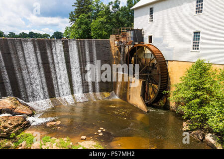 CATAWBA, NC, USA-22 JUNE 18:  Murray's Mill is within a national historic district, and includes an operating waterwheel, and  grindstones and milling - Stock Image