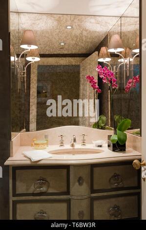 Elegant sink in bathroom - Stock Image