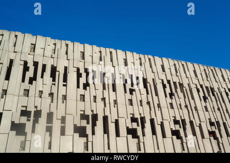 Decorative seventies concrete design on the side of the Multi-storey car park for The Butts Centre in Reading, Berkshire, now known as Broad Street Ma - Stock Image