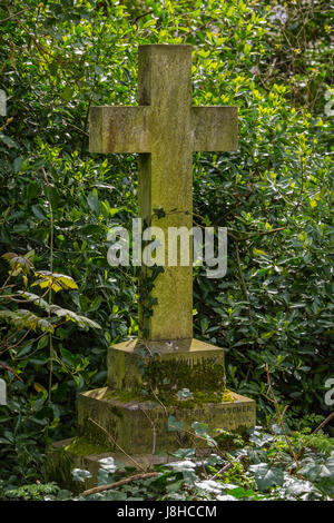 Gravestone in Nunhead Cemetery, London, England United Kingdom - Stock Image