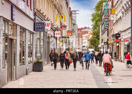14 September 2018: Gothenburg, Sweden - Kungsgatan, the main shopping street in Gothenburg, crowded with shoppers. - Stock Image