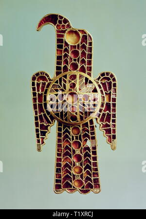 fine arts, Middle Ages, handicrafts, Ostrogoth eagle-shaped fibula, circa 500, treasure trove of Domagnano, Italy, National Museum of Germanic History, Nuremberg, Artist's Copyright has not to be cleared - Stock Image