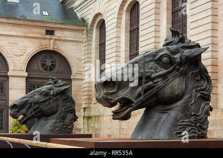 Horse head sculptures at the Musée du Cheval at Chantilly, Oise, France - Stock Image