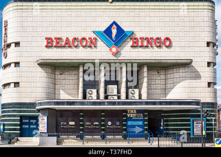 Loughborough, Leicestershire, UK. Since 1970 the Beacon Bingo hall has  occupied the old Odeon Theatre, an art deco cinema built in 1936 - Stock Image